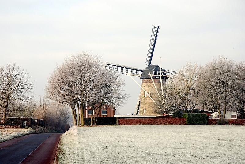 PA6TIEN Van Tienhovenmolen Wolfhuis in wintertime.