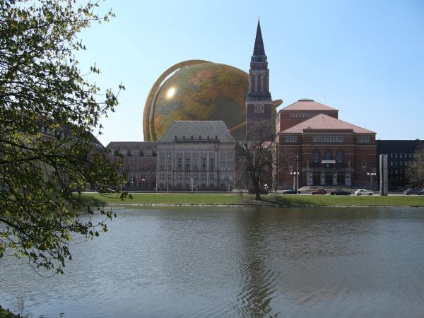 Beschreibung: Beschreibung: Beschreibung: Globus in Kiel