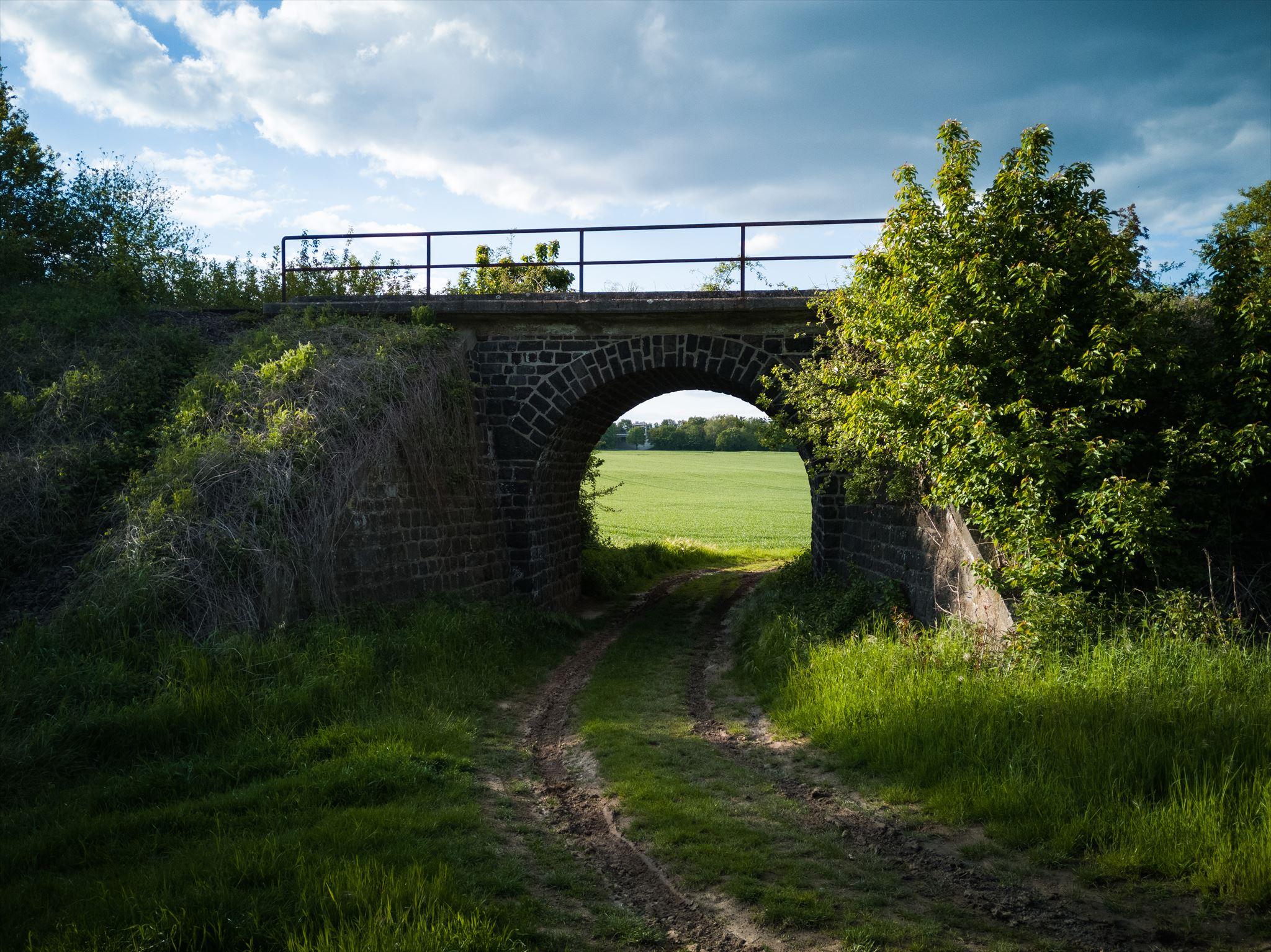 Die Brücke von Unten
