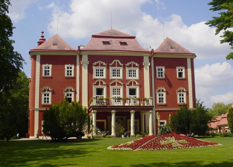 Detenicky zamek