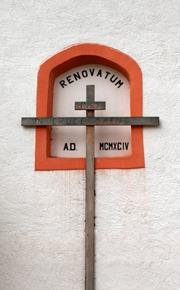 Kříž na paměť renovace