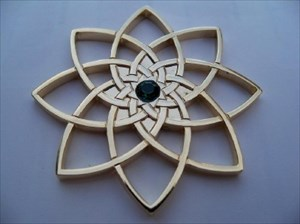 Celtic Star with Green Gem Geocoin - Gold