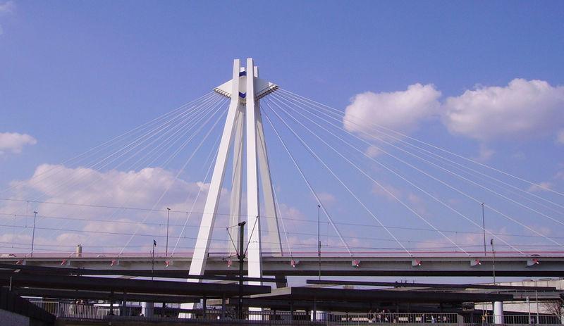 Die Pylon-Brücke