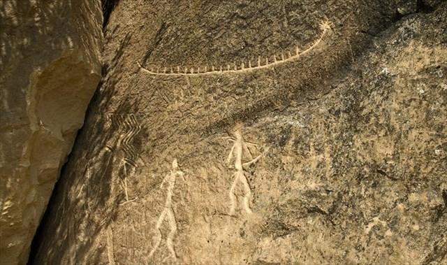 Gc z xn gobustan rock petroglyphs traditional cache in
