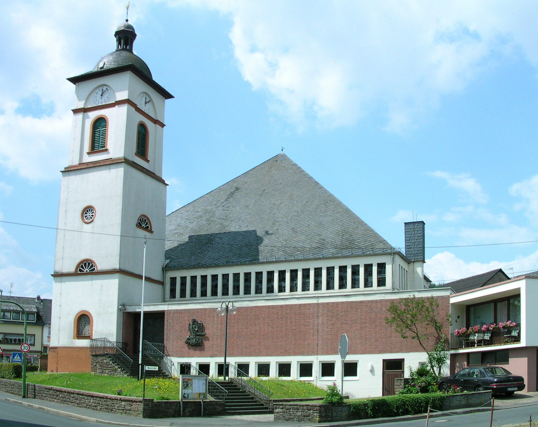katholische Pfarrkirche St. Nikolaus in Birresborn, Rheinland-Pfalz