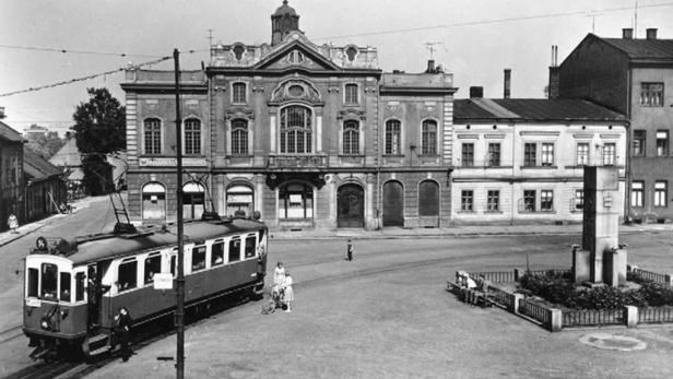 Narodni dům - v době kdy tady jezdily tramvaje