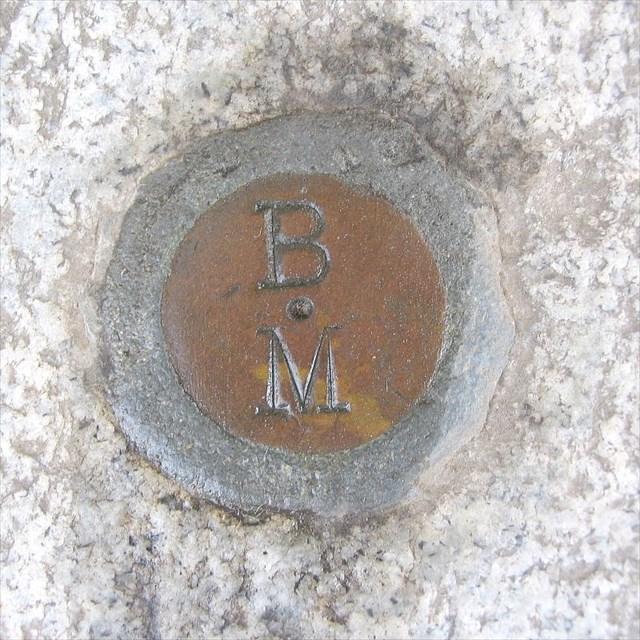 bb0a77f5-5d16-4645-8d94-bf1dee0efc26.jpg