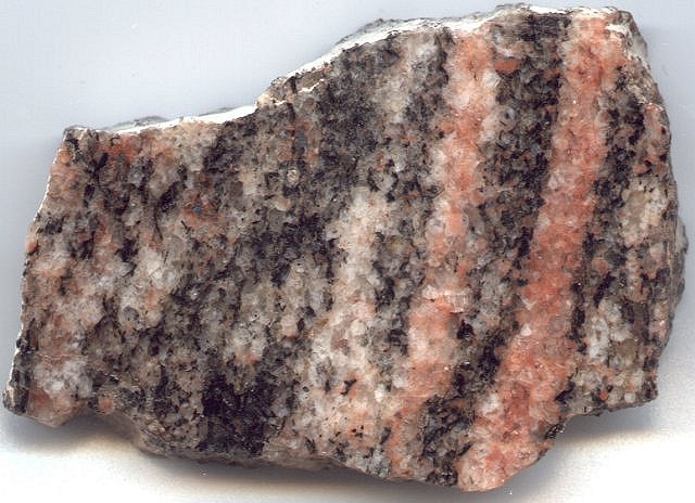 Examples of foliated metamorphic rocks include Slate Phyllite uxbkL481