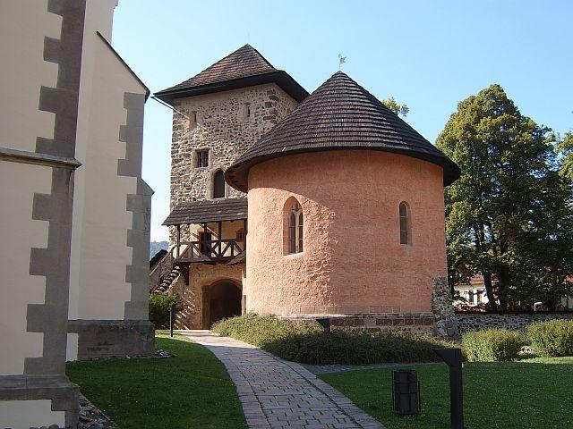 Severná brána - pohlad z areálu