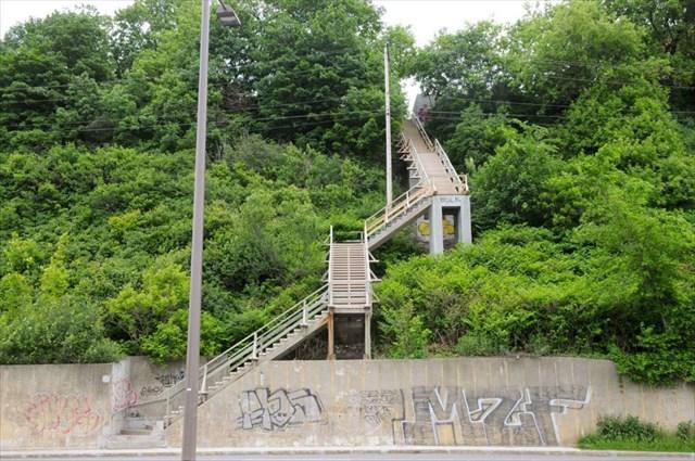 Gc6d5rp l 39 escalier joffre unknown cache in quebec canada created by dbild - Escalier petite largeur ...