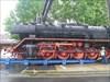 16 - Auf der Rampe Die 100 Tonnen schwere Lok rollt, zentimeterweise, immer wieder gestoppt und voll unter Kontrolle - hoffentlich.