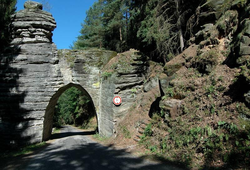 Pekarova brána