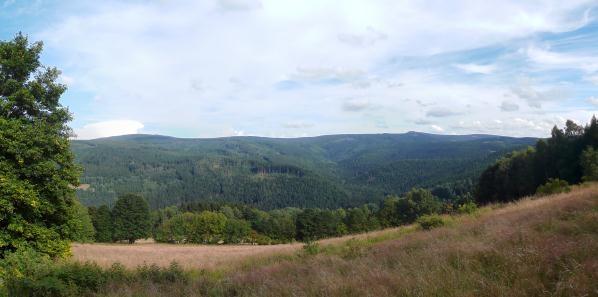 Huťská hora, Povydří a Sokol