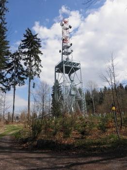 Vojenský vysílac na vrcholu Javorové skály