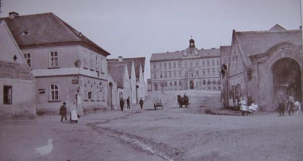 Skvrnany okolo roku 1920