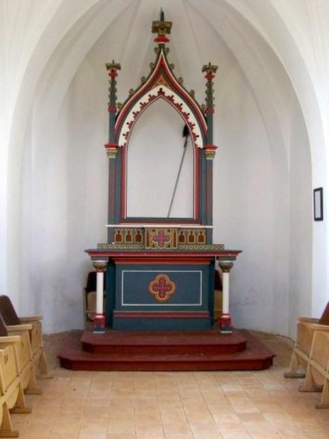 interiér kaple