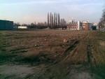 Prostor zbouranište. V pozadí osamocená budova Masné burzy