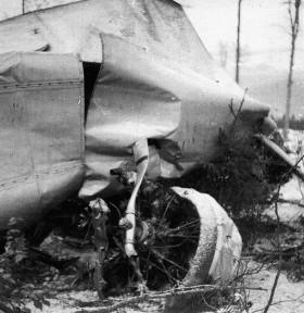 Trosky letadla - jeden zmotorů
