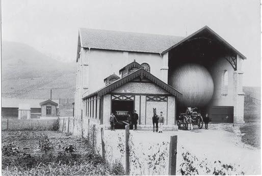hangar pres