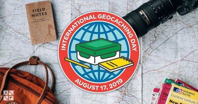 GC8BJGG International GeoCaching Day: Yard (Foil) Party