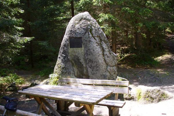Rosenaueruv pomnik