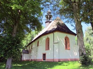 Kostel sv. Linharta v létě