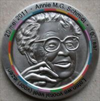 Annie M.G. Schmidt Geocoin front