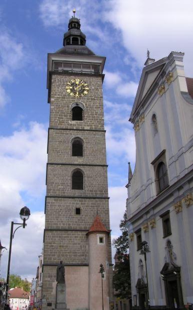 Cerná vež a kostel svatého Mikuláše