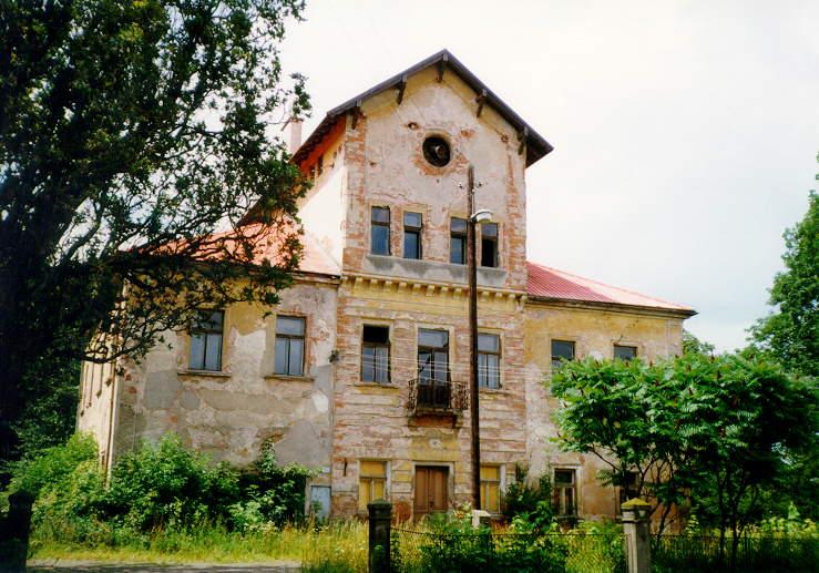 Zámek v roce 1999