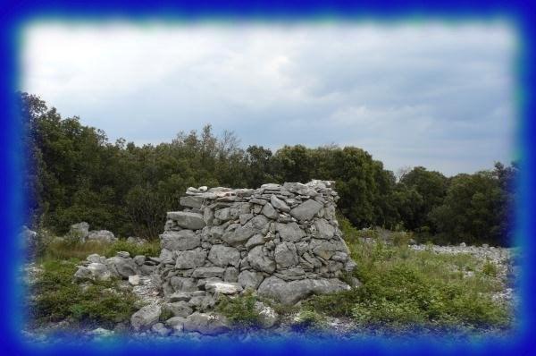 Image de la tourelle en pierres sèches