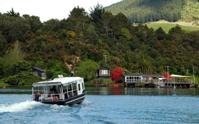 Orakei Korako Ferry