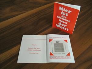 Hier ist die kleinste Bibel der Welt