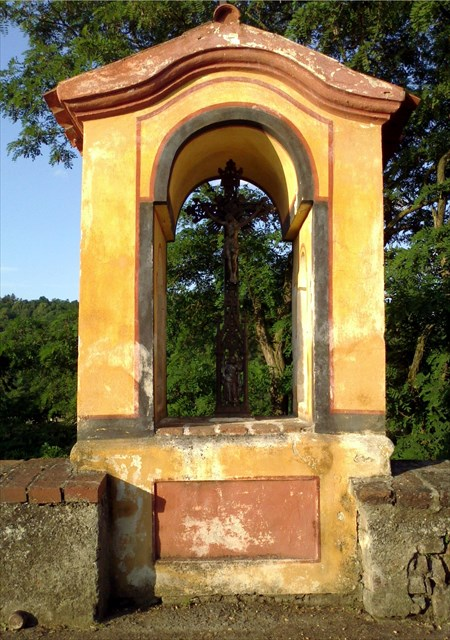 Kaplička na mostě