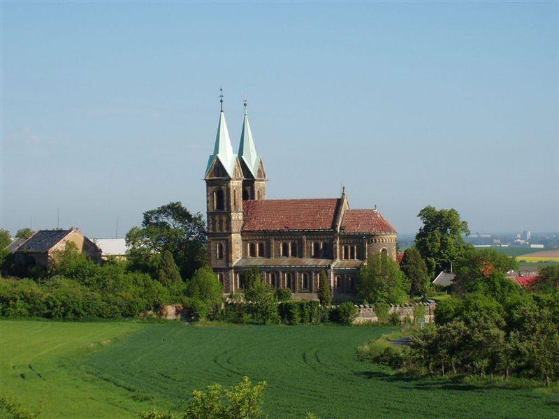pohled na kostel od vychodu