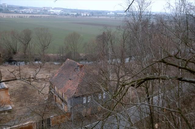 Pohled na na mlýn a stranu budoucí výstavby