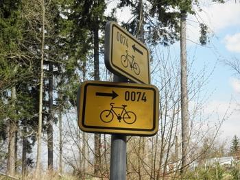 Znacení cyklotrasy 0074