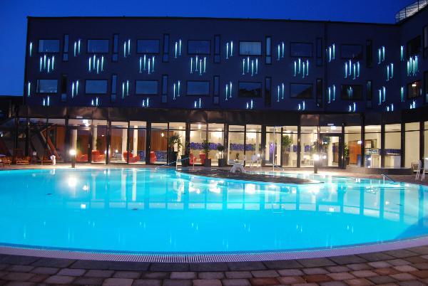 Svært GC1VXYE Kosta Boda Art Hotel (Traditional Cache) in Kronoberg WU-57