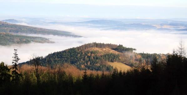 Kněžská hora při pohledu z Malé Doubravy