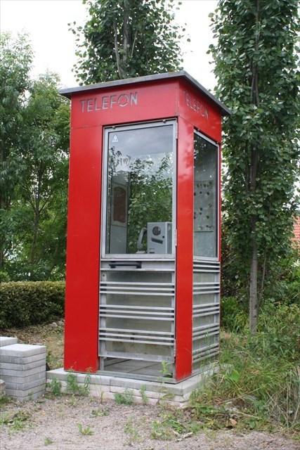 Riksen - Den røde telefonkiosken.