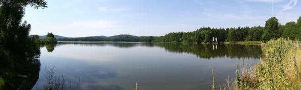 Mezholezsk rybník od přepadu