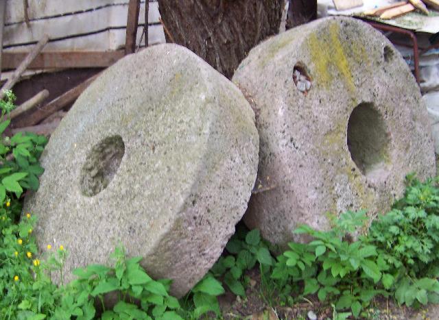 Mlynské kamene