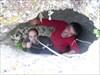 Eu e o V.G. metidos num buraco....sem pelos... log image