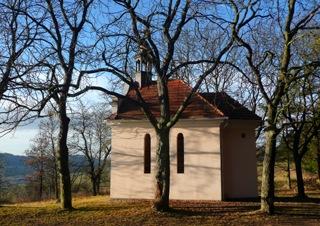 Pravá strana kaple skaštany