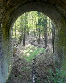 Potucek za viaduktem