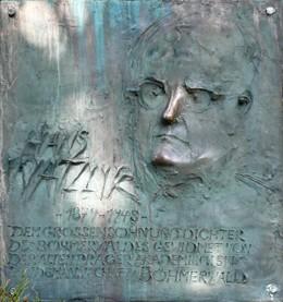 Pamětní deska Hanse Watzlika