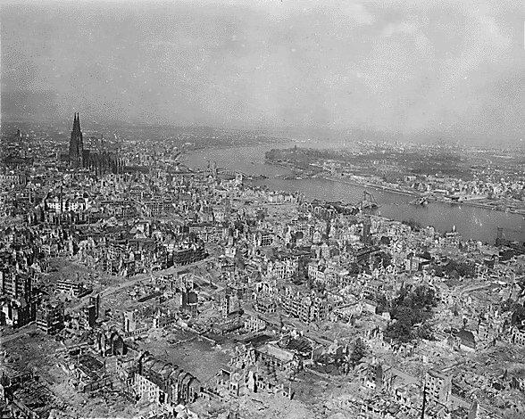 Köln in Trümmern, 1945