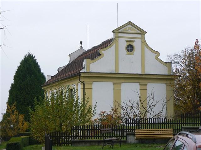 Východní průčelí kostela