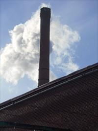 Cheminée de la compagnie Contreplaqué Husky.chimney company Husky Plywood.
