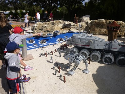 Lord Abercrombie visited Kashyyyk & Mustafar - Star Wars - Legoland Florida. USA.