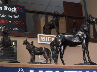 Très belles statuettes de collection et en trophée.Beautiful statuettes and trophy collection